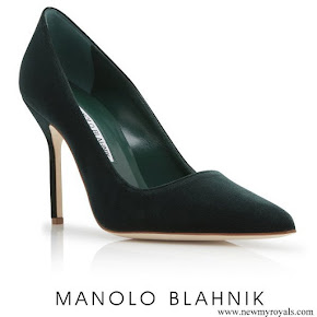 Kate Middleton wore the Manolo Blahnik BB pumps in dark green velvet.