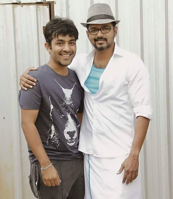 Theri Vijay With Fans