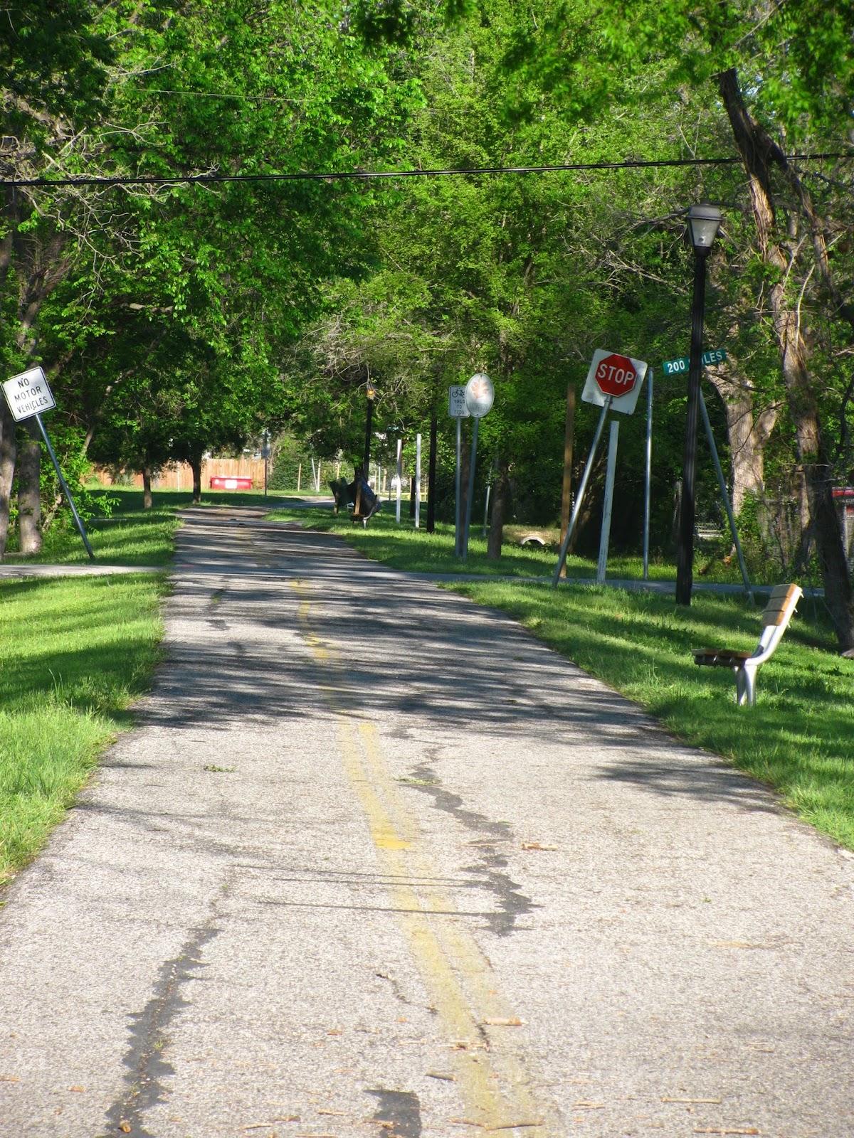 Houston Walks: Harrisburg Hike & Bike Trail