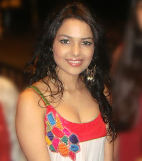 Chitrashi Rawat Biography Age Height, Profile, Family, Husband, Son, Daughter, Father, Mother, Children, Biodata, Marriage Photos.