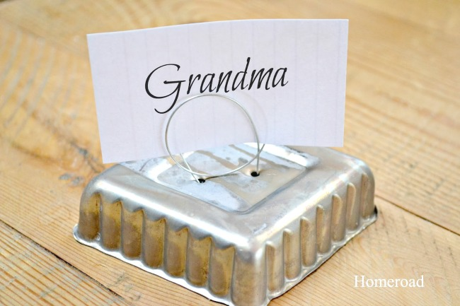 tin tart place card holders