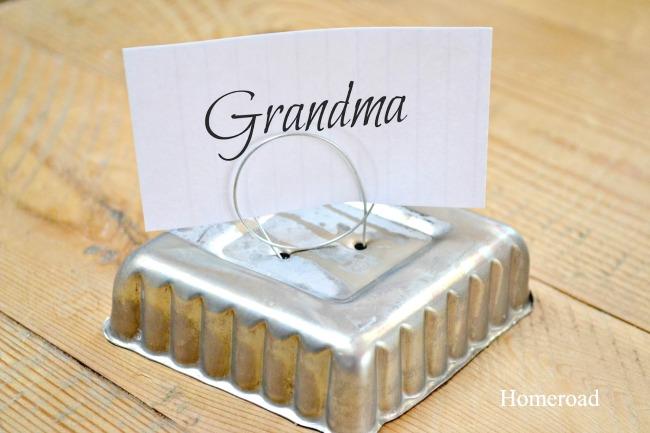 tin tart place card holders