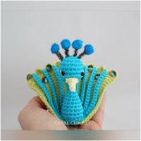 http://amigurumislandia.blogspot.com.ar/2018/08/amigurumi-pavo-real-canal-crochet.html
