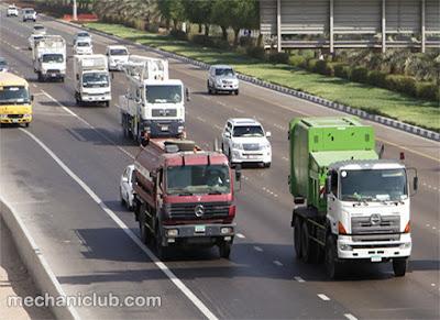 تحميل كتيب القيادة الآمنة في الشاحنة والحافلة PDF