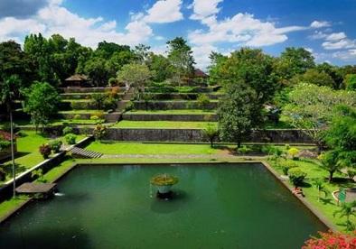 Tempat Wisata Popular Wisata Taman Narmada Lombok