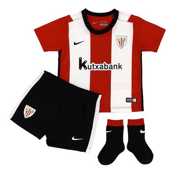 Camiseta Athletic de Bilbao 1ª Equipación 2015 2016. Famosas rayas rojas y  blancas del club vasco se han convertido en más grande en esta camisa 15 16  casa. 670768030238a