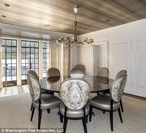 Phòng ăn có thể là một không gian giải trí, hoặc là nơi cả nhà cùng thảo luận