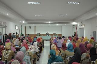 126 Bidan PTT Diangkat PNS