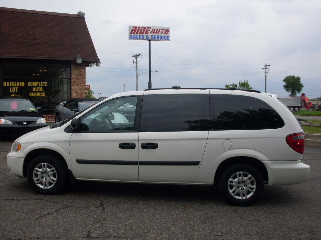 Dodge Caravan White on 1997 Dodge Ram Van 1500
