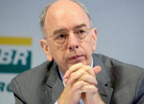Presidente da Petrobras faz apelo e pede 'reflexão' contra ameaça de greve