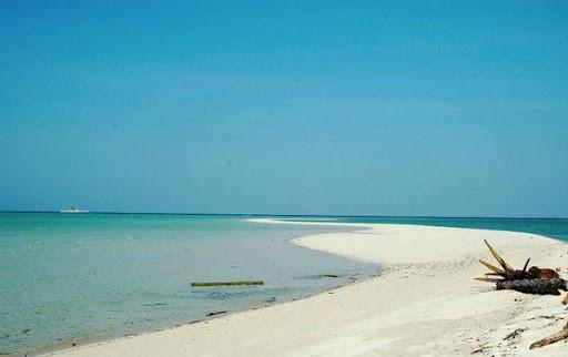 Derawan Island Popular Diving Destination in Indonesia