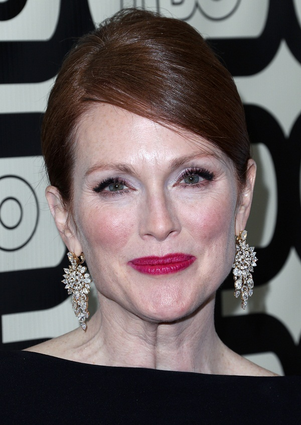 Julianne Moore - Celebrity Earrings Trend 2013