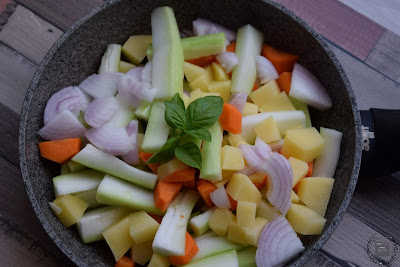 Zucchina lunga (cucuzzella siciliana)