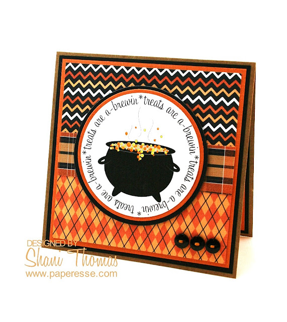 Quick Halloween card with free digi-stamp, by Paperesse.