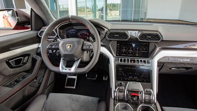 2018 New Lamborghini Urus Super SUV interior view