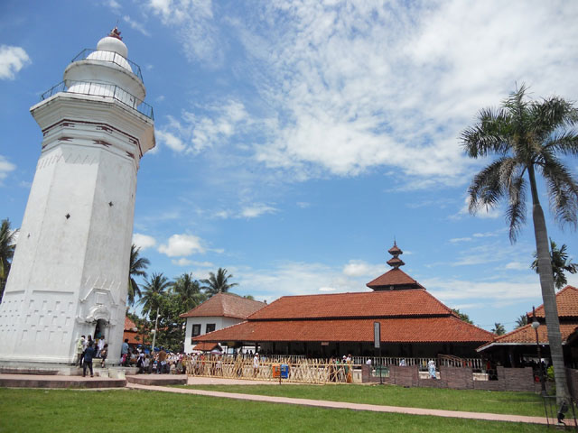 Wisata Religi di Masjid Agung Banten dan Vihara Avalokitesvara