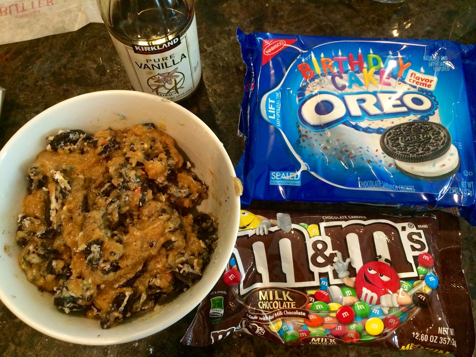 Oreo Cookie Bars M&Ms