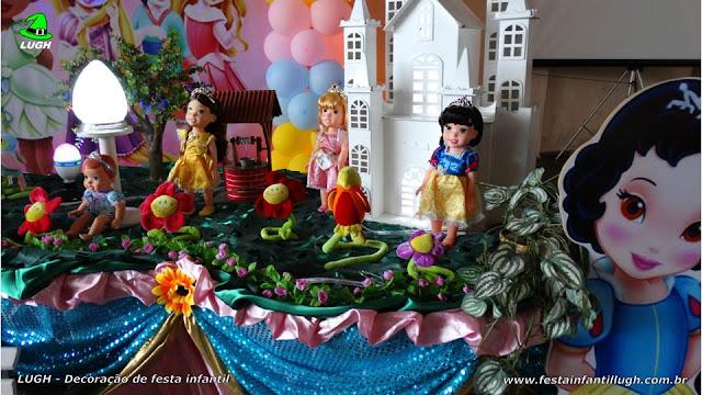 Mesa decorada de aniversário Princesas Baby Disney