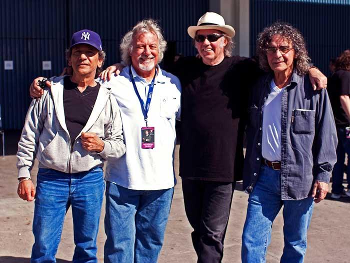 Neil Young News: TOUR DATES & REVIEWS: Neil Young & Crazy ...