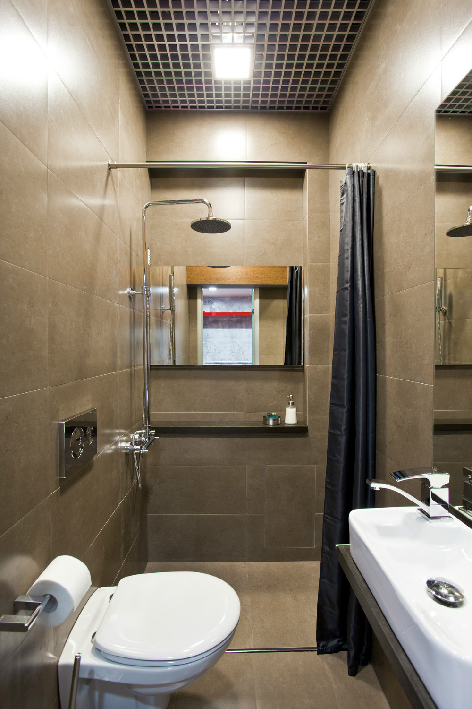 +55 Modern small bathroom design makeover ideas 2019 on Small Bathroom Remodel Ideas 2019  id=73818