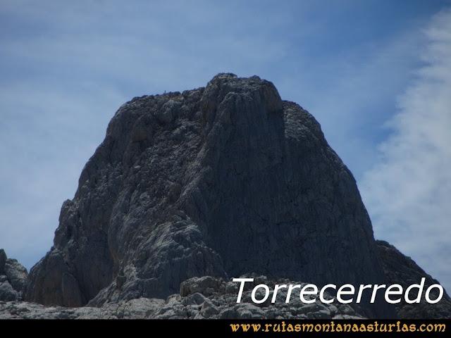 Ruta Poncebos a Cabrones por Camburero y Urriellu: Torrecerredo