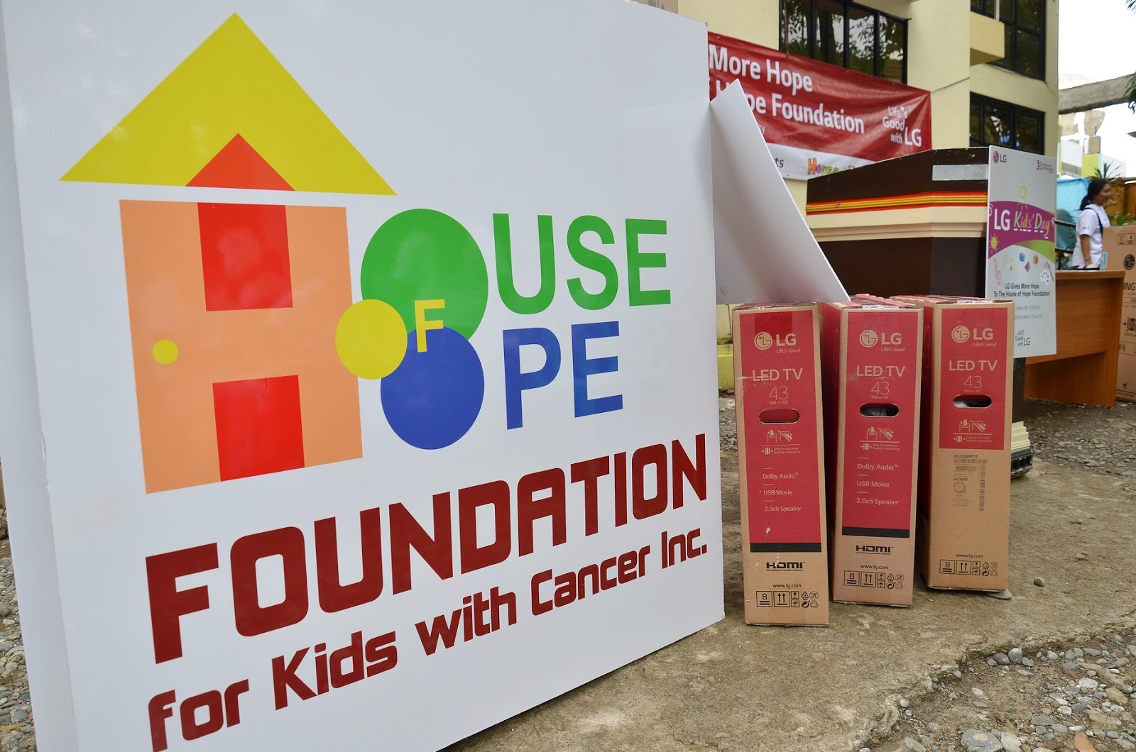 Life's Good for The House of Hope Foundation