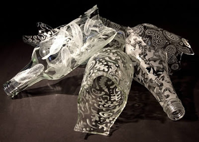 Botella de vidrio con un toque de arte