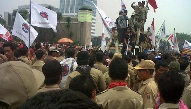 Tagih Janji Presiden Jokowi, Ribuan Perangkat Desa Se-Indonesia ke Istana Negara Jakarta