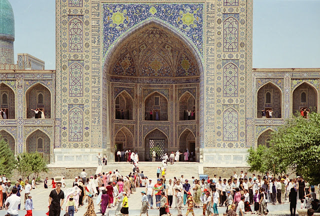 Ouzbékistan, Samarcande, Registan, médersa Tilla-Qari, © Louis Gigout, 1999