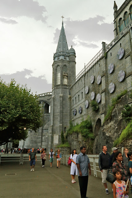 Lourdes sanctuary. Lourdes. France. Лурдский санктуарий. Лурд. Франция.