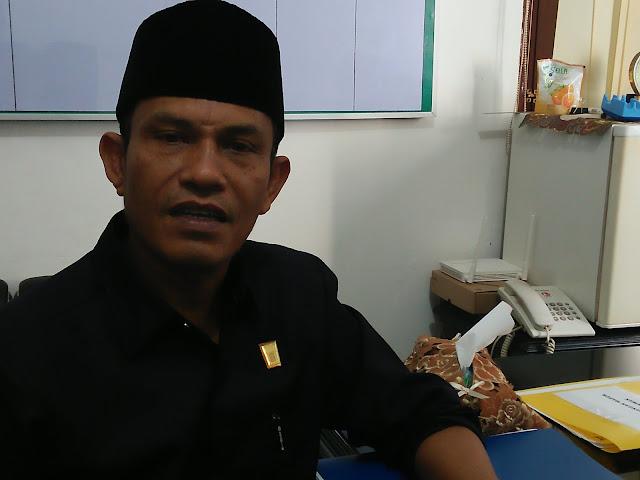 Helmi Moesim,  Ketua Pansus II DPRD Kota Padang