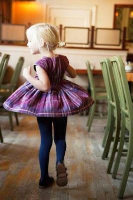 Foto gambar anak perempuan dengan busana terbaik