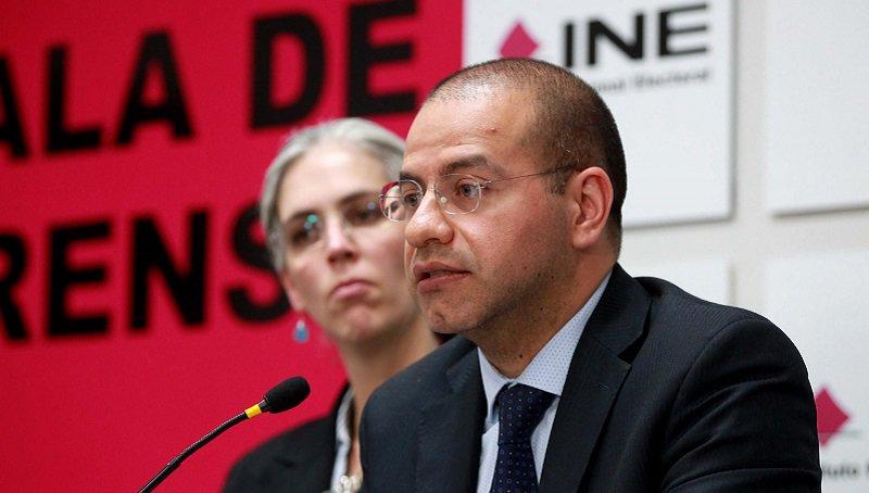 No se debió multar a Morena, admite consejero, INE no investigó y filtró datos