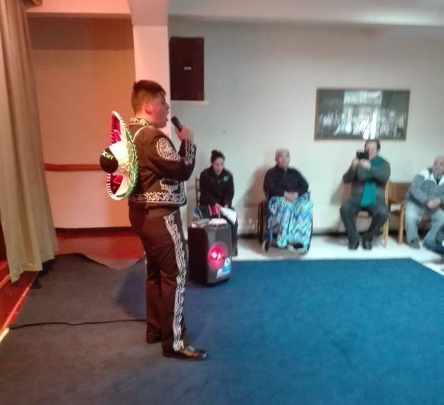 Grupo del Liceo Premilitar visitaron Hogar Santa María