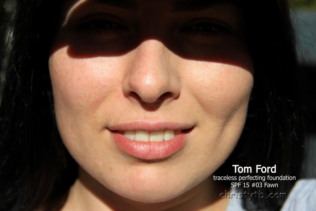 Новая тональная основа Tom Ford Traceless perfecting foundation SPF тон 03 Fawn