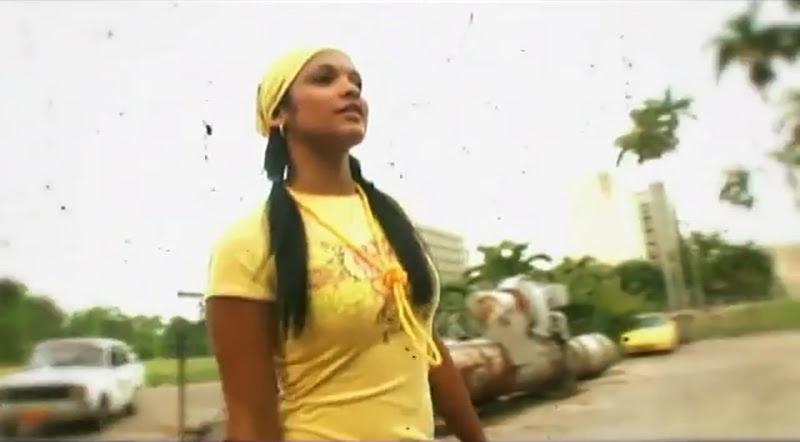 Pachito Alonso y sus Kini Kini - ¨La cara bonita¨ - Videoclip - Dirección: Rudy Mora - Orlando Cruzata. Portal Del Vídeo Clip Cubano - 04