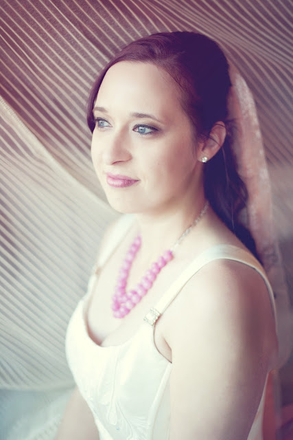 BLOGIVERSARY GIVEAWAY! Two hour photo session with White Rabbit Photo Boutique