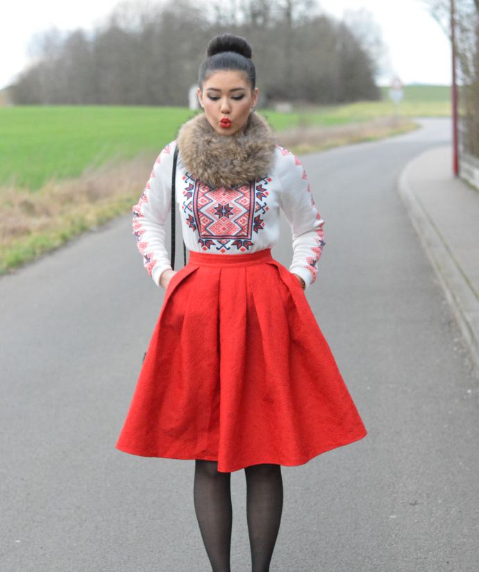 Oasap Fashion Structured Pleated Skirt, Red Midi Skirt, Nordic Sweatshirt, Nordic Pattern, National Wind Print Round Neck Pullover Sweatshirt, Pom Pom, Pointy Flats