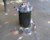 Fullt søppelspann. Lisens: Fri bruk. pxhere.com