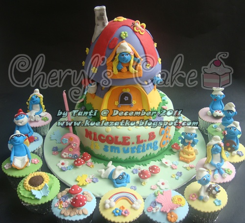 Smurf Birthday Cake Photos