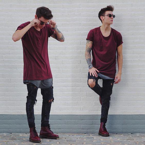 Look masculino lollapalooza, Camisetas com sobreposições, calça Jeans Destroyed e bota!