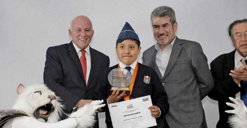 Escolar de Moquegua escribió el mejor cuento turístico del Perú