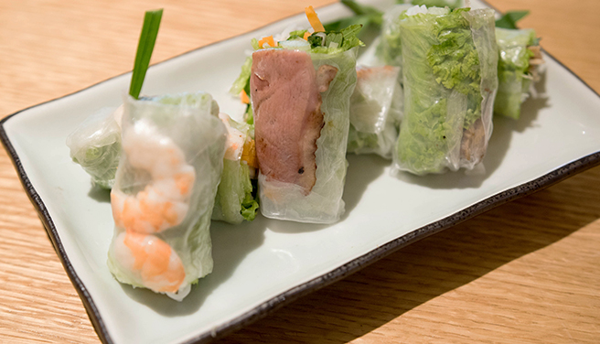 Fresh rice paper rolls with chicken, smoked duck or prawn