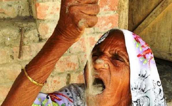 Aneh! Nenek Makan Pasir Sehari 1 Kg Bikin Geleng Kepala