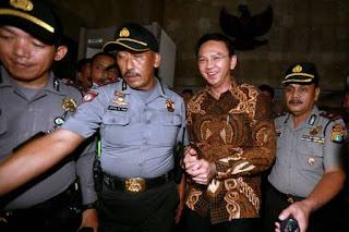 Katanya Pemberani Di Samperin Habiburokhman-Habib Novel, Ko Ahok Malah Kabur dari Gedung MK - Commando