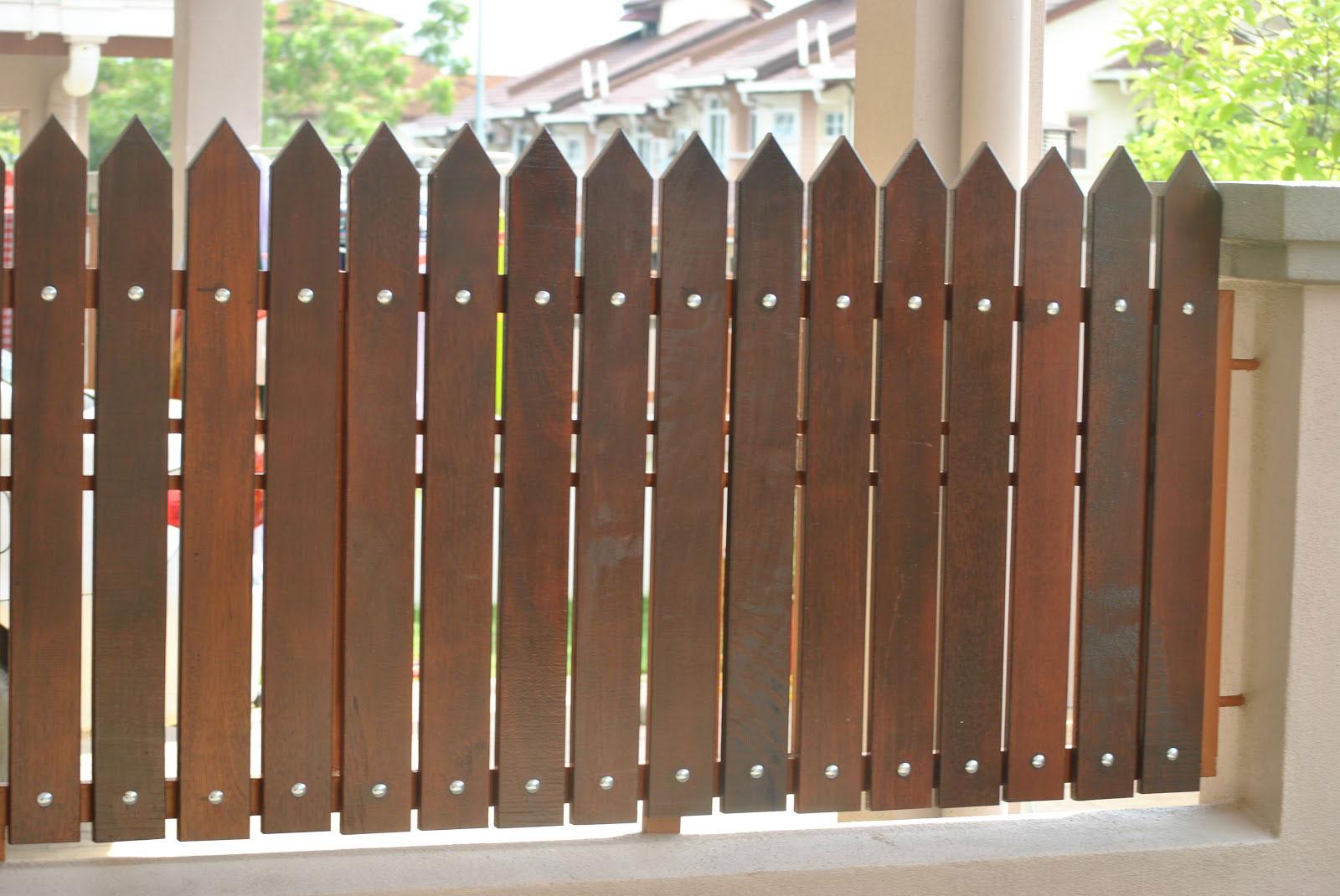 70 Desain Pagar Rumah Minimalis Kayu dan Besi Home