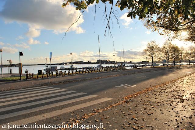 Helsinki, Kaivopuisto, aurinko, syksy, valo, merenranta