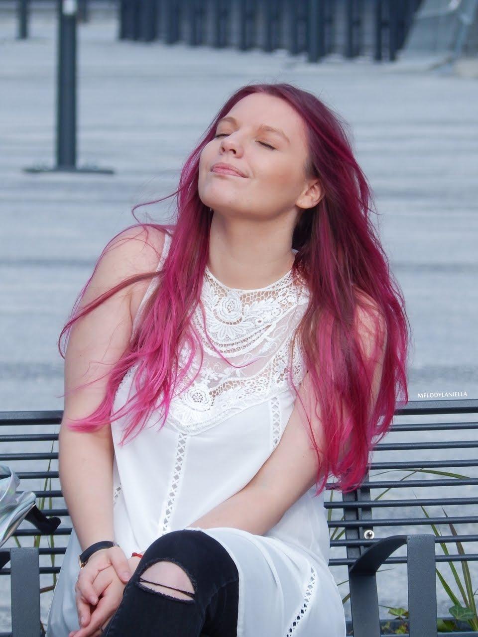 15 holograficzny plecak betterlook.pl farby venita różowe włosy jak pofarbować włosy kolorowe włosy ombre pink hair paul rich watches zegarek czarne jeansy z dziurami modna polka lookbook