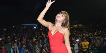 Foto Niken Amora, Penyanyi Dangdut Jogja Cantik dan Seksi