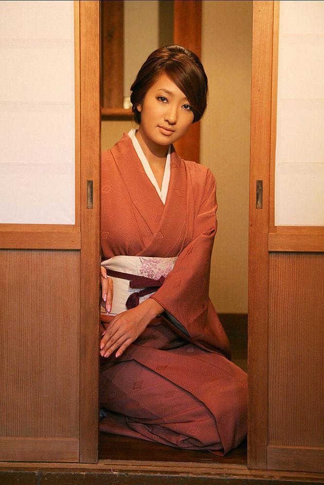 sayaka ando sexy kimono pics 02